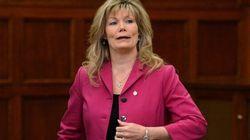 Shelly Glover ne tient pas au bilinguisme à la Cour