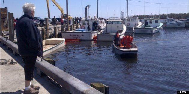 Pêcheurs disparus : les recherches reprennent au large du