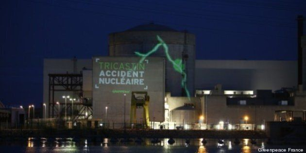 France - Des militants de Greenpeace occupent une centrale