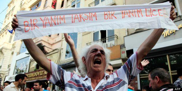Nouvelle manifestation contre le gouvernement aux abords de la place