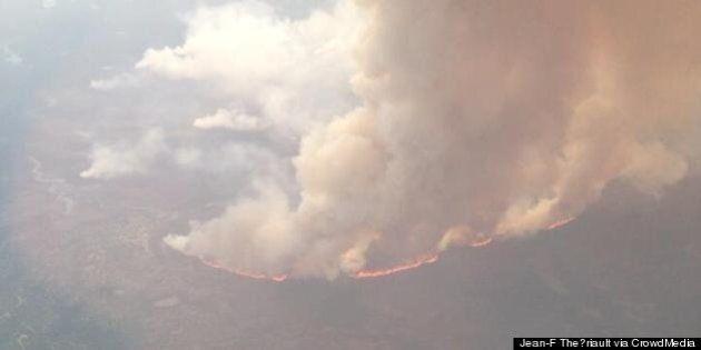 Feux de forêt: la fumée nuit aux efforts des pompiers au
