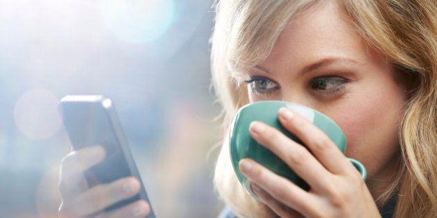 Téléphone intelligent: une addiction aussi insidieuse que celle à la