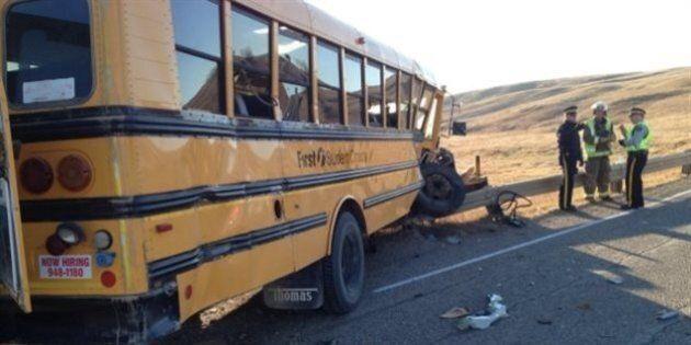 Collision entre un autobus scolaire et un camion au nord de