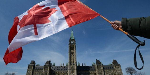 Ottawa embauche plus d'employés en communication