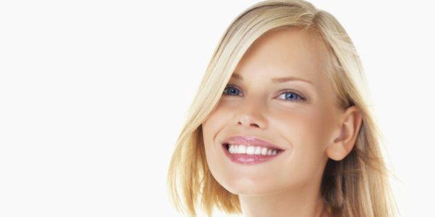 Coiffure et cheveux: vous passez de blonde à brune? Voici 5 erreurs à ne pas commettre