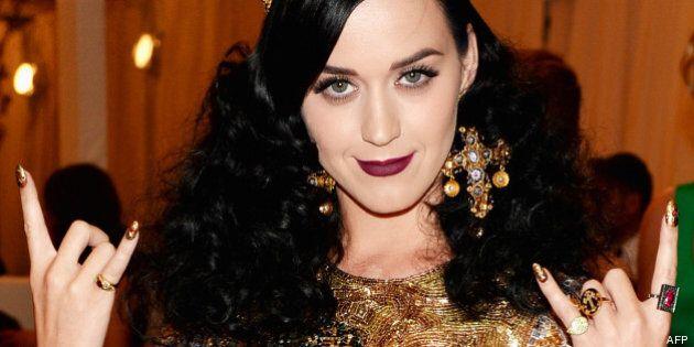Katy Perry: son divorce avec Russell Brand annoncé par message texte