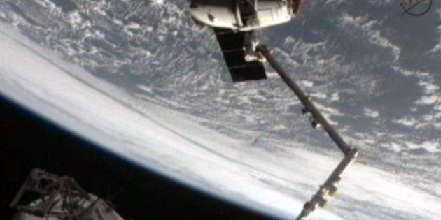 Dragon sera amarrée dimanche à la Station spatiale