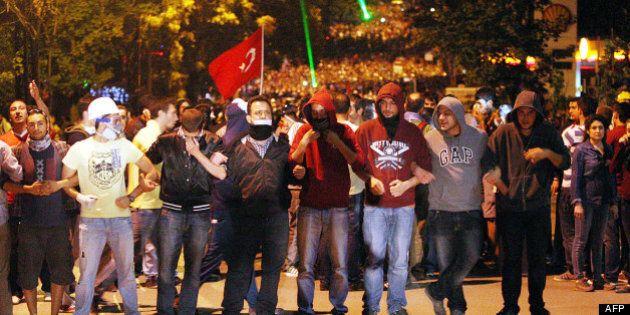 Turquie: Délogés de la place Taksim, les manifestants poursuivent leur
