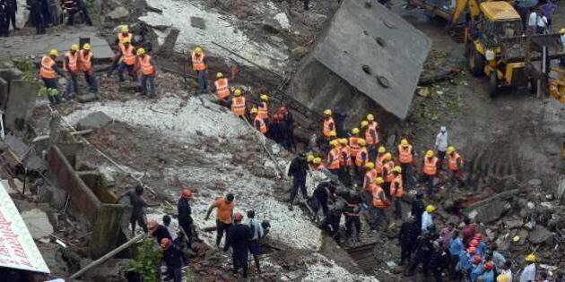 Inde : le bilan de l'effondrement d'un immeuble à Bombay atteint 45