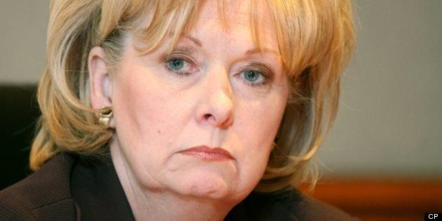 Dépenses du Sénat: la version de Pamela Wallin à la CBC créé des