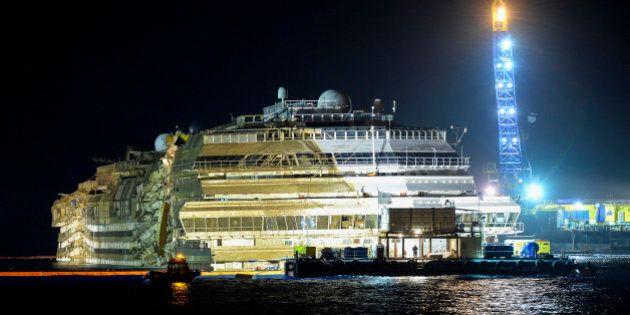 Costa Concordia: le redressement du paquebot naufragé est
