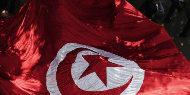 Tunisie: un homme s'immole par le feu en plein centre de