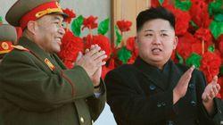 Kim Jong-Un offre des exemplaires de Mein