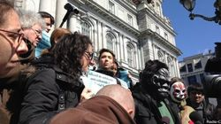 Manifestation et motion contre le règlement