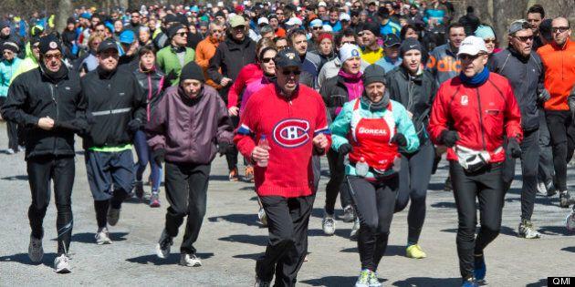 Attentat de Boston : 2000 coureurs de Québec rendent hommage aux