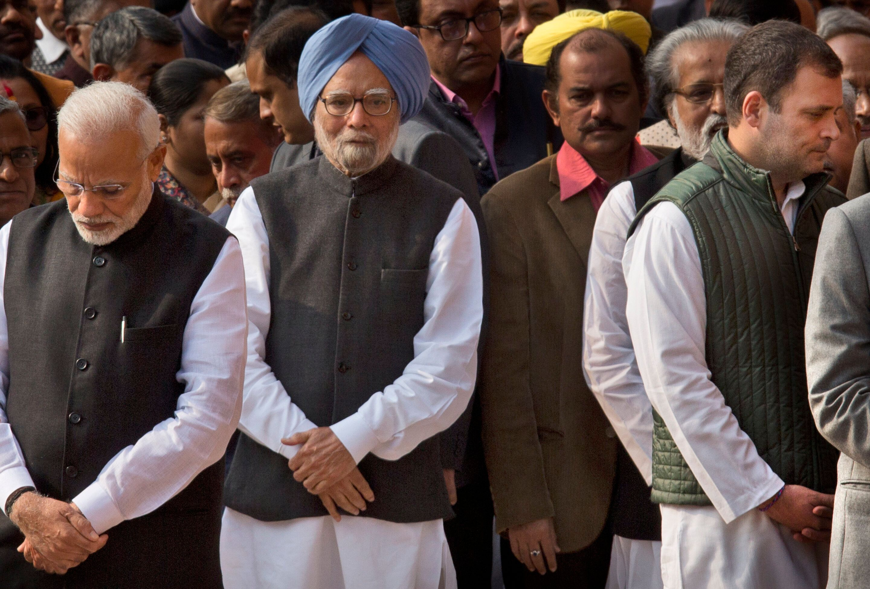 India Headed For Slowdown; Modi Govt Left Economy In Dire Straits': Ex-PM Manmohan