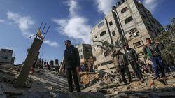 Entre Israël et Palestiniens, 430 roquettes, des raids aériens et des