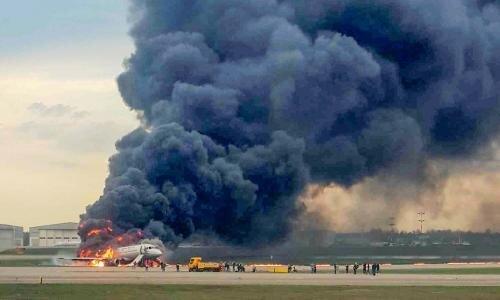 러시아 여객기 사고로 승객 41명이