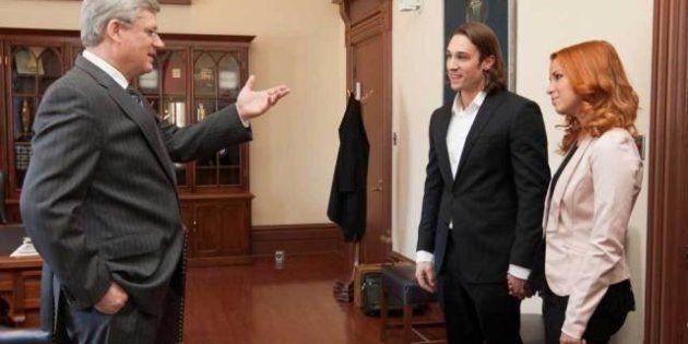 Après Justin Bieber, le premier ministre rencontre les gagnants d'Occupation Double