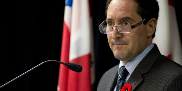 Lutte anticorruption: Applebaum offre sa collaboration à