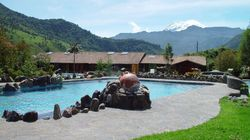 Un spa dans les Andes sur le cratère d'un volcan, ça vous dit?