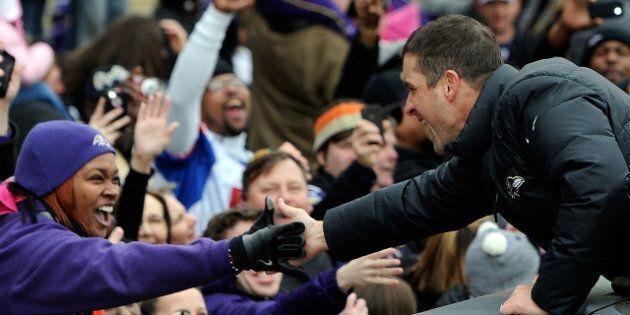 Les partisans des Ravens célèbrent la victoire de leur équipe au Super