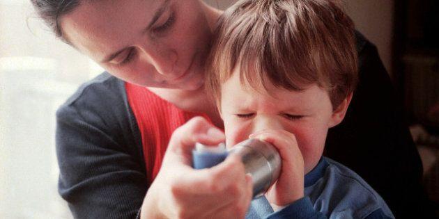 Asthme chez l'enfant: les automobiles responsables de 14% des