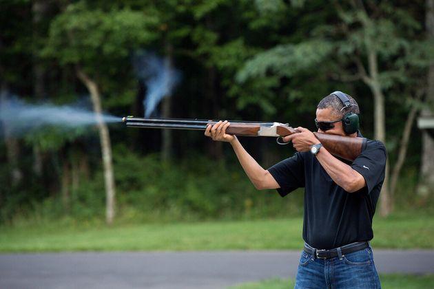 États-Unis: la Maison-Blanche publie une photo de Barack Obama en train de tirer à la