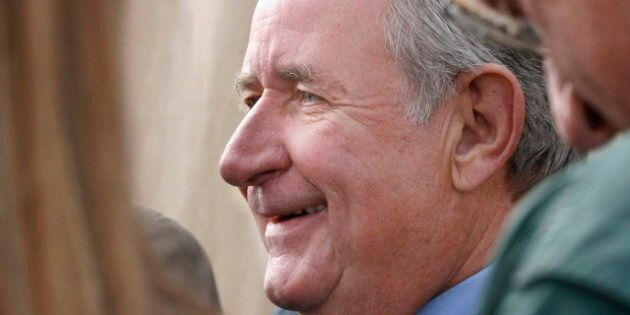 L'ex-premier ministre de l'Alberta, Ralph Klein, est gravement