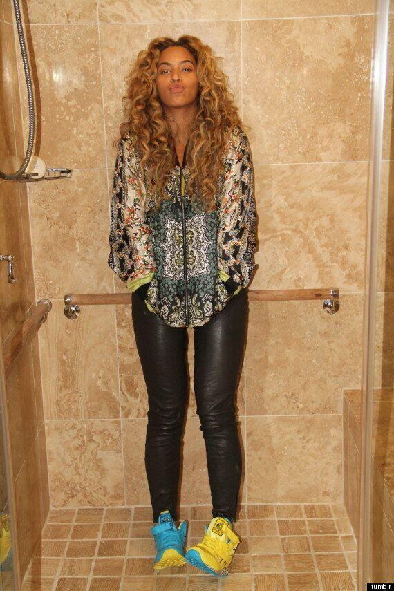 Beyoncé sur Tumblr: la star se prend en photo sous la douche et publie le résultat sur les réseaux sociaux