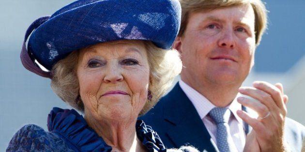 Aux Pays-Bas, la reine Beatrix annonce qu'elle abdiquera en avril en faveur de son fils aîné,