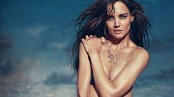 Katie Holmes se met à nu pour vendre des bijoux