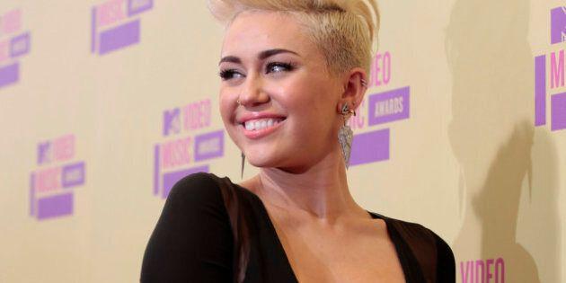 De Miley Cyrus à Charlize Theron, la mode est aux cheveux courts chez les vedettes