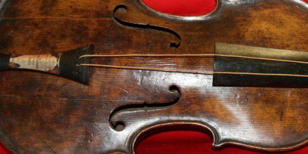 Le violon du directeur de l'orchestre du Titanic a été
