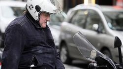 Depardieu ne s'est pas présenté au tribunal, une meute de journaliste l'y
