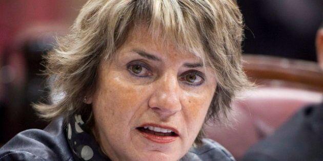 Gentilly-2: la députée libérale Danielle St-Amand «pète les plombs» et insulte la ministre Martine