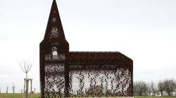 En Belgique, une église comme un mirage