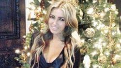 Ce que Paulina Gretzky a porté pour décorer son sapin de Noël...