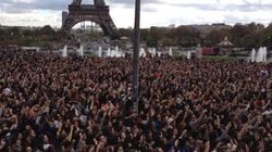 20 000 Parisiens dansent le Gangnam