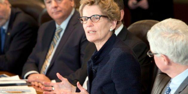 Discours du Trône en Ontario: dépenses plafonnées et soins à domicile