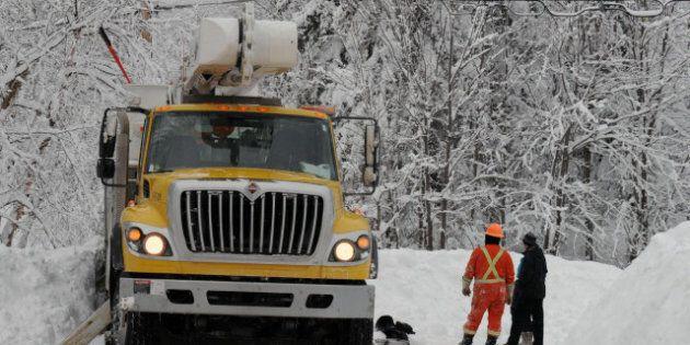 Pannes d'électricité dans les Laurentides et Lanaudière: les équipes d'Hydro-Québec toujours à