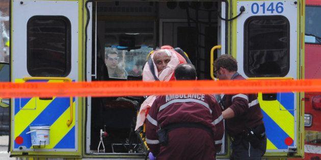 Un vol à main armée dans une bijouterie fait trois blessés après