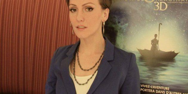 Erica Linz dans le rôle principal du film du Cirque du Soleil, Le voyage imaginaire