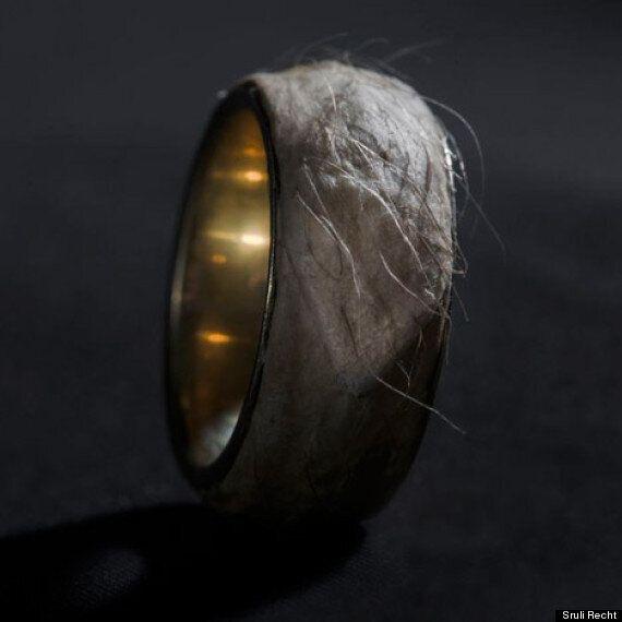 «Forget Me Knot», la bague du designer Sruli Recht faite de peau humaine