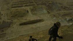 Des ados russes escaladent la pyramide de Khéops
