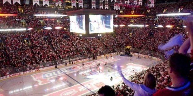 Crunch - Bulldogs: Du hockey au Centre
