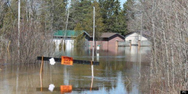 Plusieurs rivières situées de la rive-nord du Saint-Laurent ont des niveaux d'eau