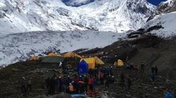 Avalanche au Népal : un cardiologue québécois porté