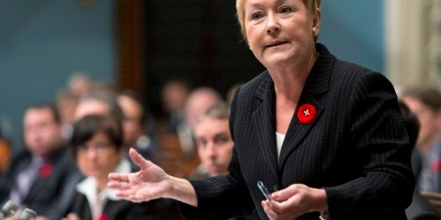 Pauline Marois ne portera plus le coquelicot orné de la fleur de