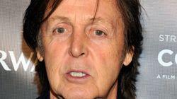 Il remplace Kurt Cobain dans Nirvana